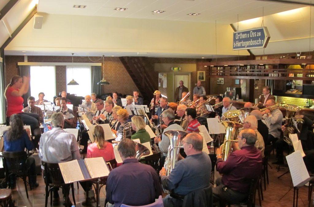 De Orthense Harmonie op zondagochtend